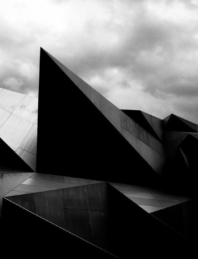 أهمية استخدام اللون الأسود في التصميم